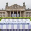 Strandkorbaktion zum Beginn der politischen Sommerpause in Berlin: Wachstum im Tourismus kein Selbstläufer