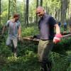 Freiwillige mit dem Bergwaldprojekt e.V. im Einsatz für den Naturschutz im Nationalpark Eifel