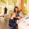 """Freier Eintritt für alle Mütter, Großmütter und Urgroßmütter in die Erlebnisausstellung """"Wildnis(t)räume"""" des Nationalpark-Zentrums Eifel"""